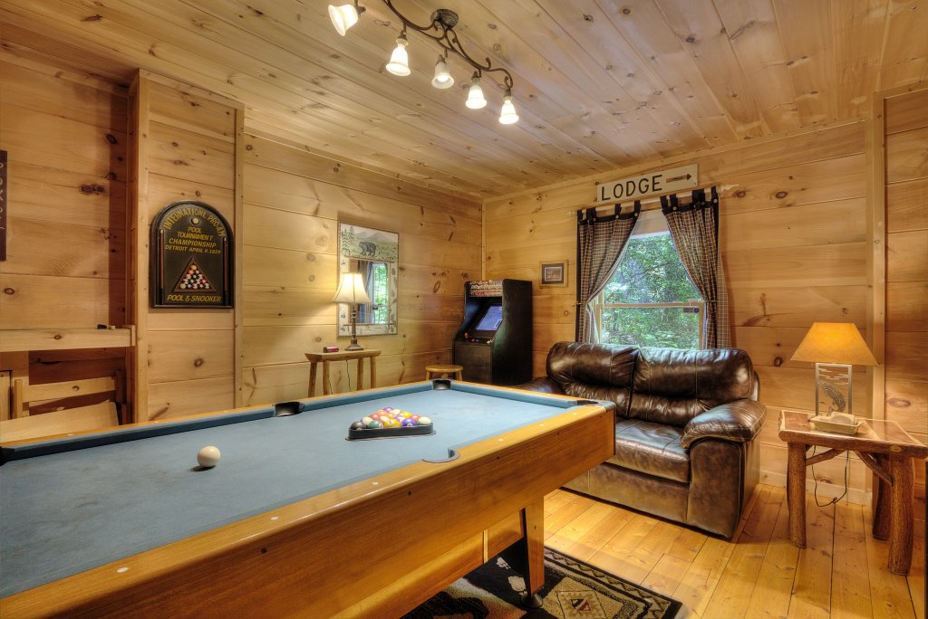 Photo of a Gatlinburg Cabin named A Secluded Bearadise #247 - This is the thirty-fifth photo in the set.