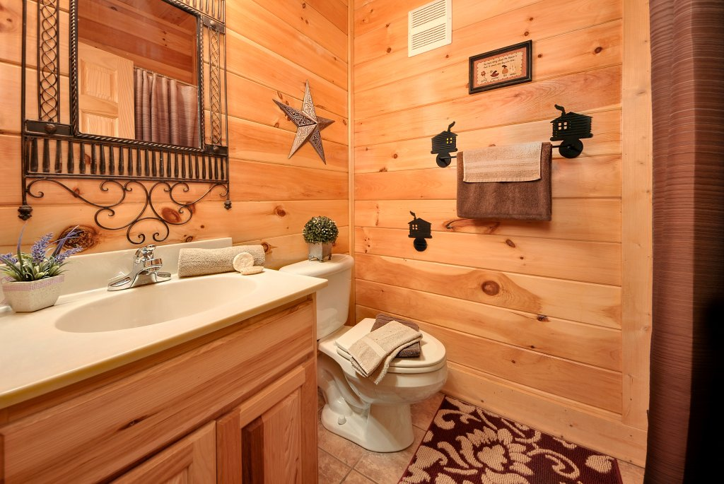 Photo of a Pigeon Forge Cabin named Almost Heaven - This is the forty-first photo in the set.