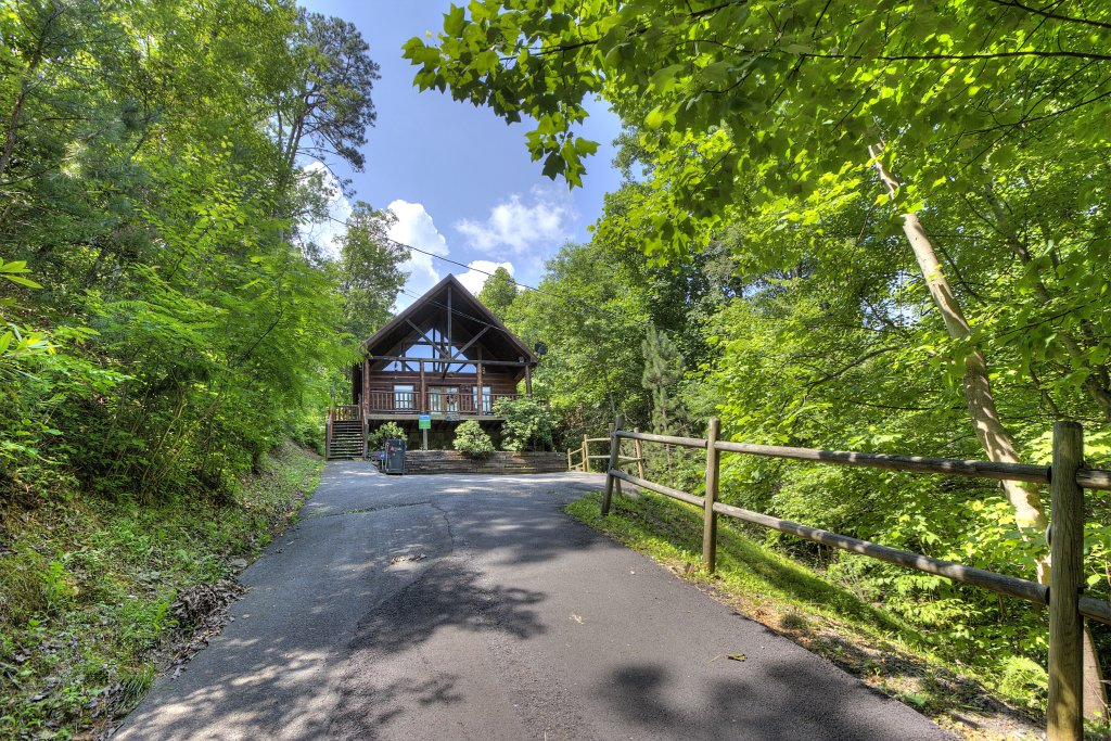 Photo of a Gatlinburg Cabin named A Secluded Bearadise #247 - This is the thirty-third photo in the set.