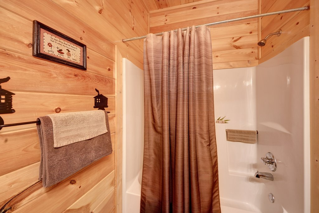 Photo of a Pigeon Forge Cabin named Almost Heaven - This is the forty-fourth photo in the set.