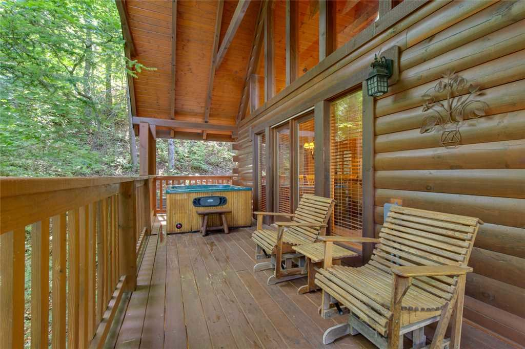 Photo of a Gatlinburg Cabin named Papa Bear's Den - This is the seventeenth photo in the set.