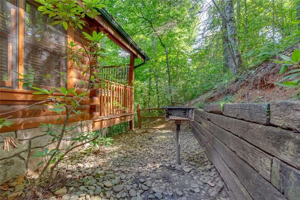 Photo of a Gatlinburg Cabin named Papa Bear's Den - This is the eighteenth photo in the set.