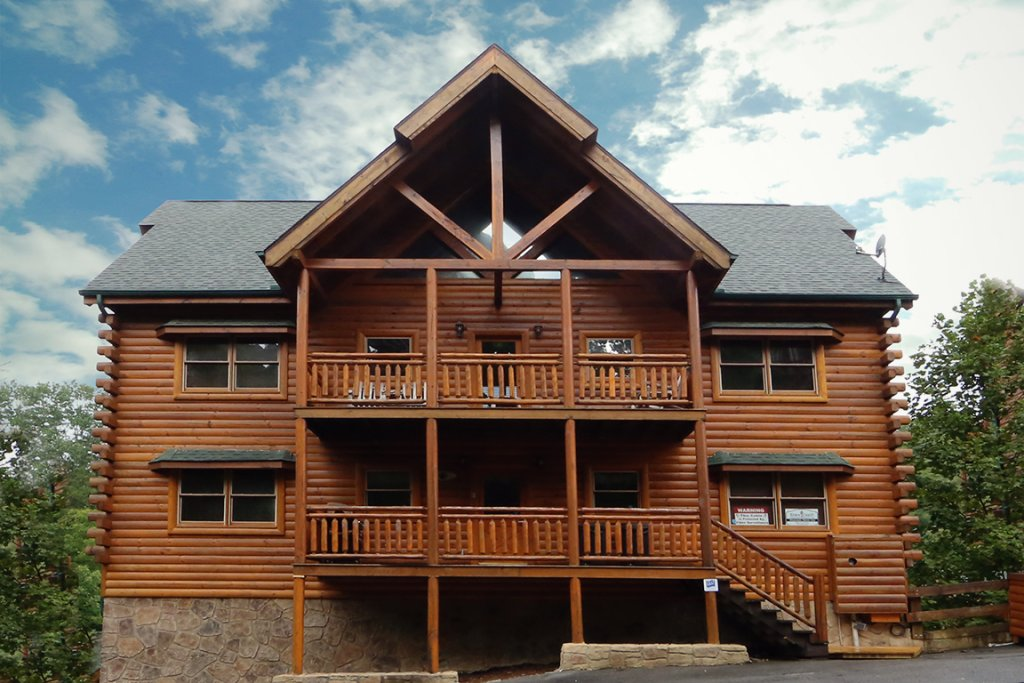 Photo of a Pigeon Forge Cabin named Mountain Movie Inn - This is the second photo in the set.