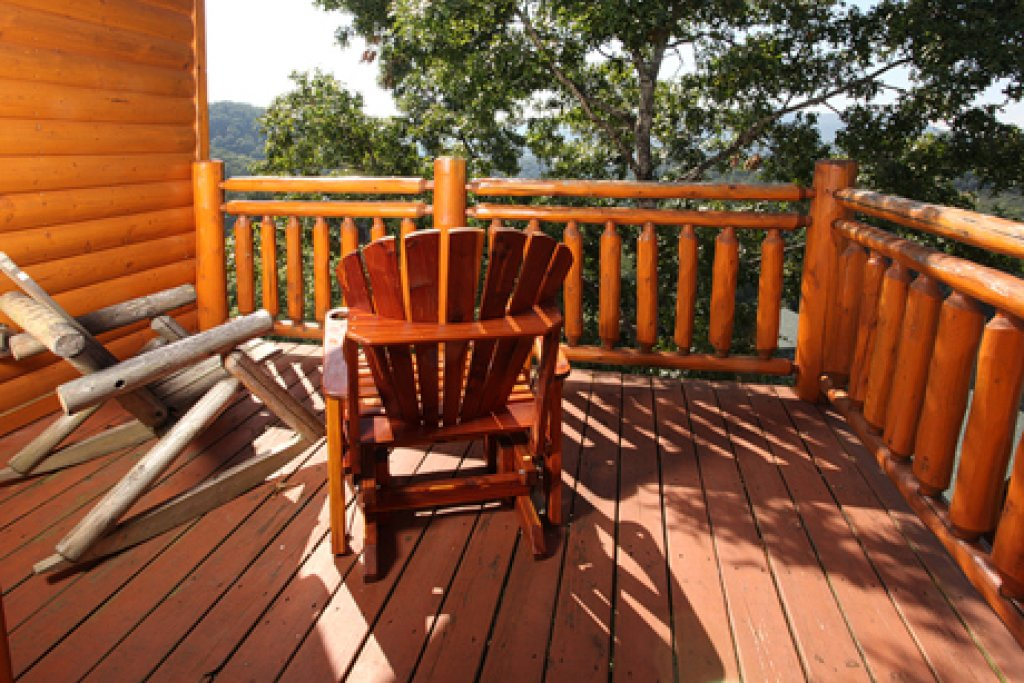 Photo of a Pigeon Forge Cabin named Paradise Mountain Pool Lodge - This is the sixth photo in the set.