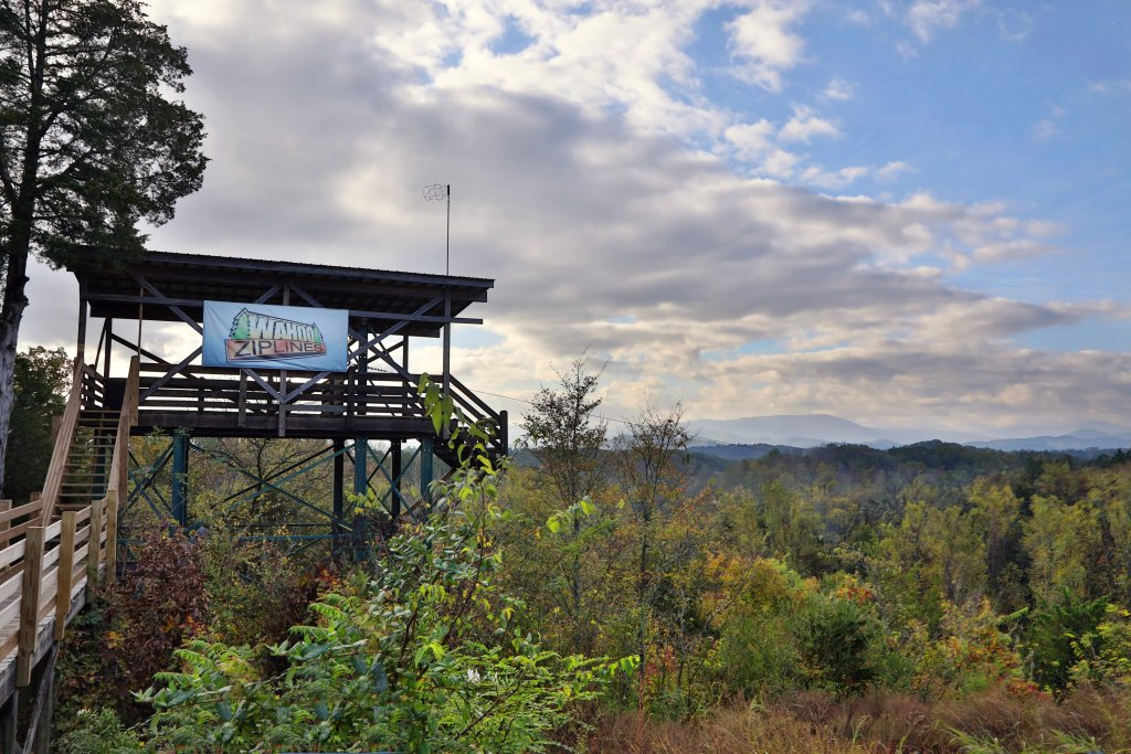Photo of a Sevierville Cabin named Serenity Mountain Pool Lodge - This is the forty-fifth photo in the set.