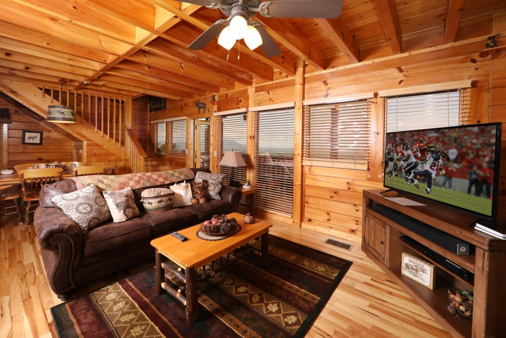 Photo of a Pigeon Forge Cabin named Chocolate Moose - This is the nineteenth photo in the set.