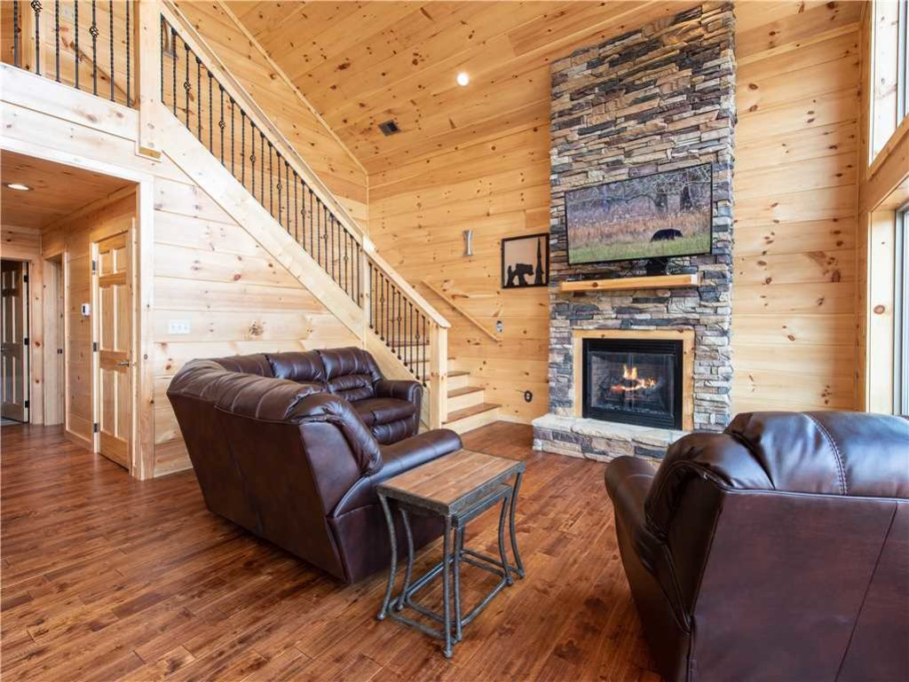 Photo of a Gatlinburg Cabin named 3 Bears Chalet - This is the first photo in the set.