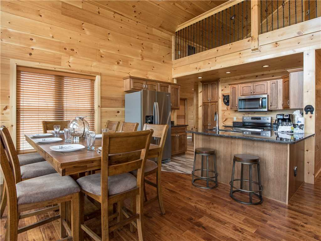 Photo of a Gatlinburg Cabin named 3 Bears Chalet - This is the fifth photo in the set.
