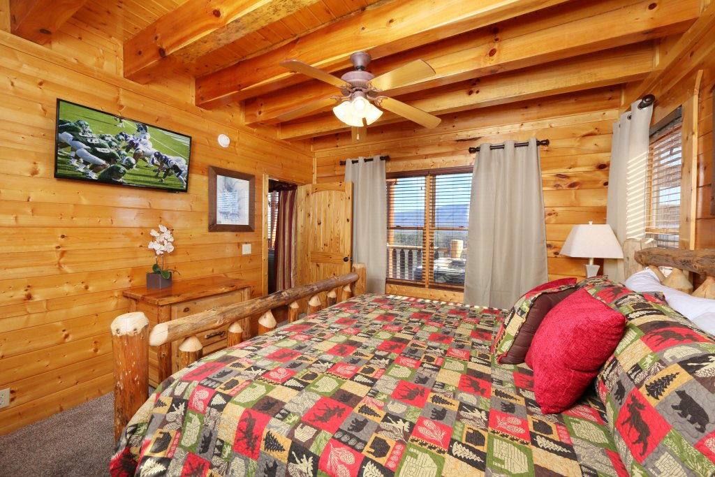 Photo of a Pigeon Forge Cabin named Award Winning Views - This is the fifteenth photo in the set.