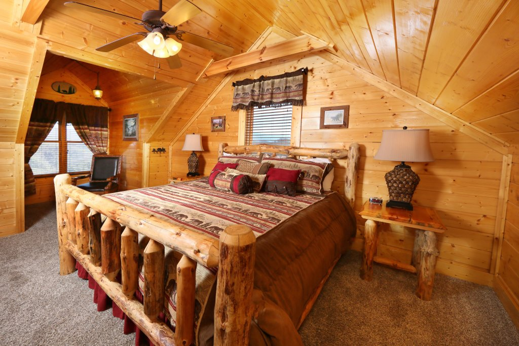 Photo of a Pigeon Forge Cabin named Award Winning Views - This is the twenty-fourth photo in the set.