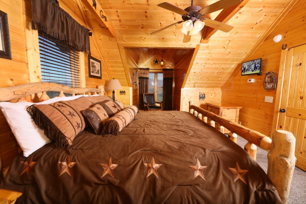 Photo of a Pigeon Forge Cabin named Award Winning Views - This is the twenty-second photo in the set.