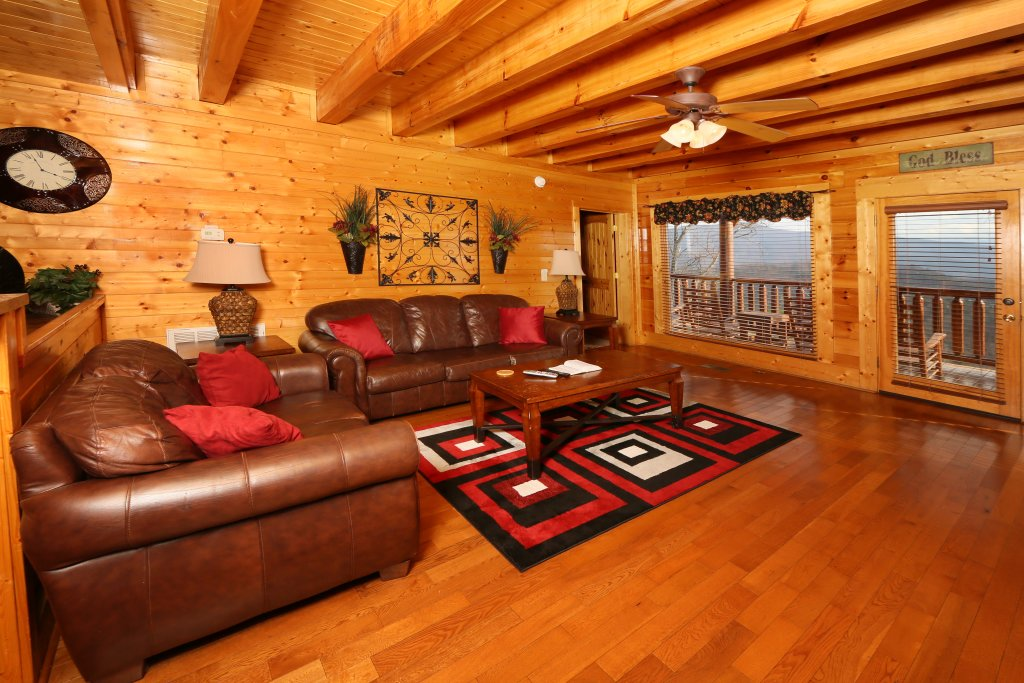Photo of a Pigeon Forge Cabin named Wavyleaf Retreat - This is the twelfth photo in the set.