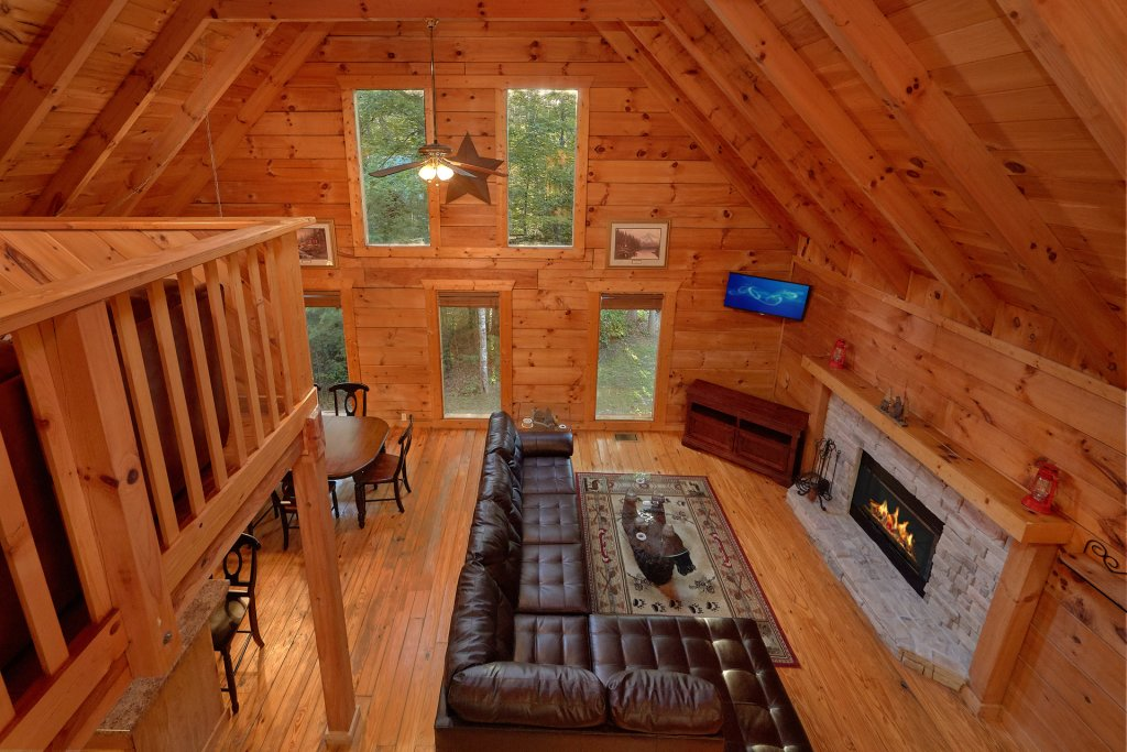 Photo of a Gatlinburg Cabin named Hickory Lodge - This is the fourteenth photo in the set.