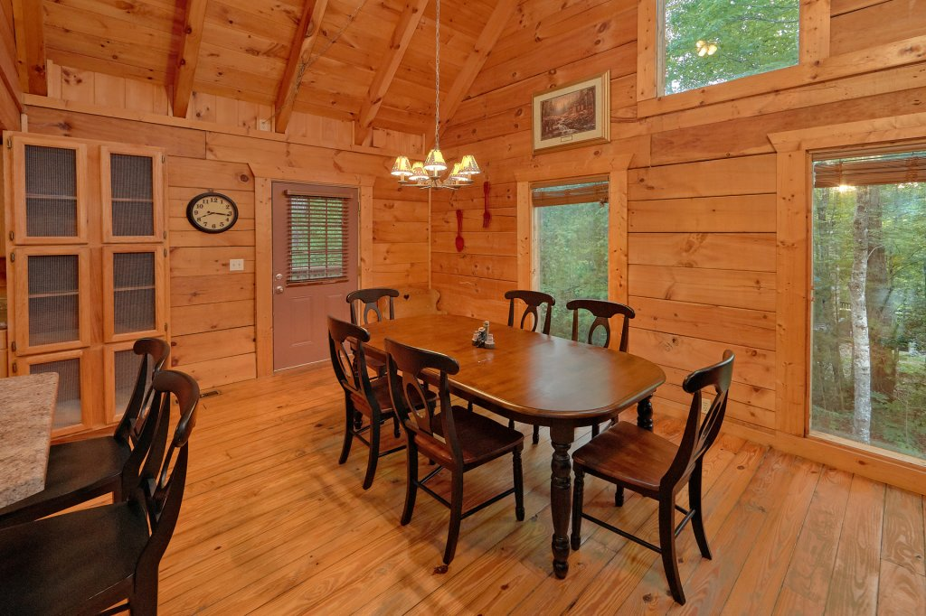 Photo of a Gatlinburg Cabin named Hickory Lodge - This is the twentieth photo in the set.