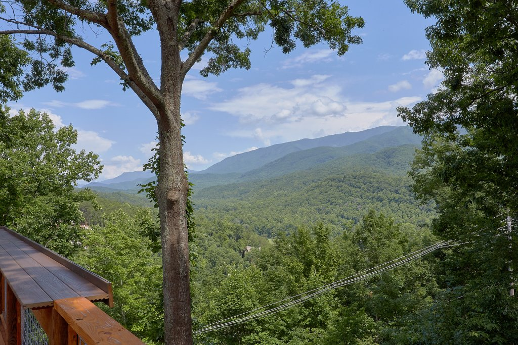 Photo of a Gatlinburg Cabin named This Magic Moment - This is the second photo in the set.