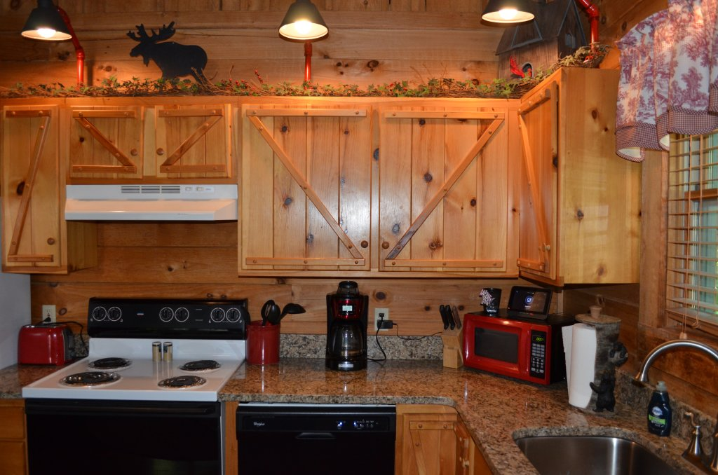Photo of a Pigeon Forge Cabin named Firefly Hollow #165 - This is the thirtieth photo in the set.