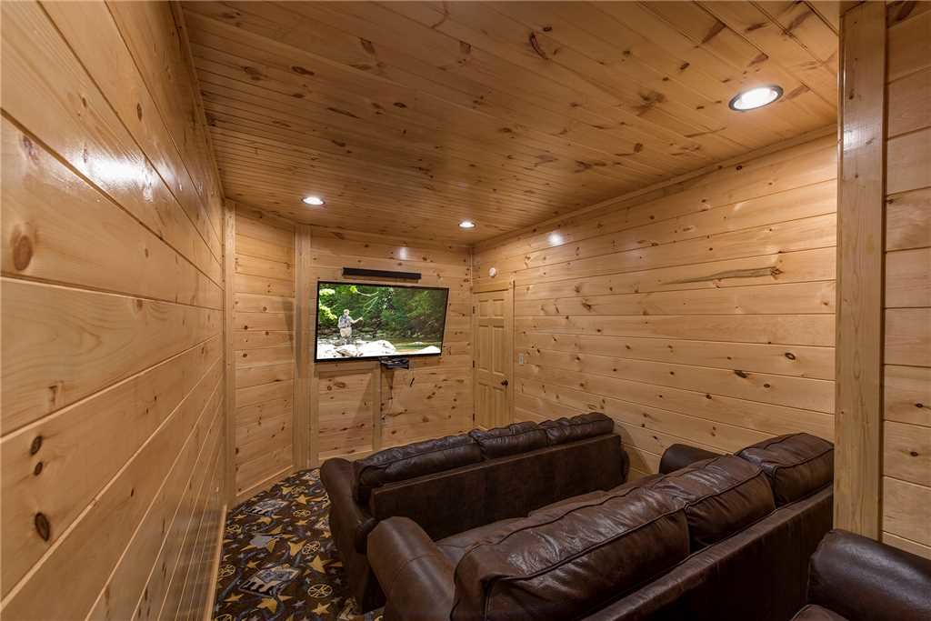 Photo of a Gatlinburg Cabin named Majestic Manor - This is the twelfth photo in the set.