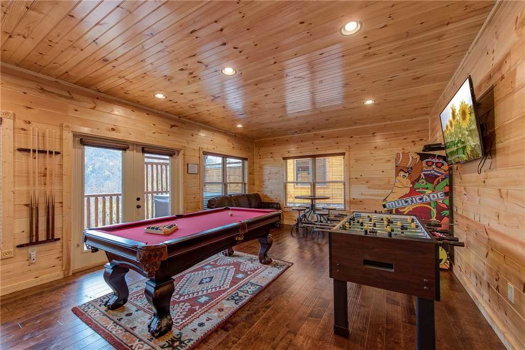 Photo of a Gatlinburg Cabin named Majestic Manor - This is the tenth photo in the set.