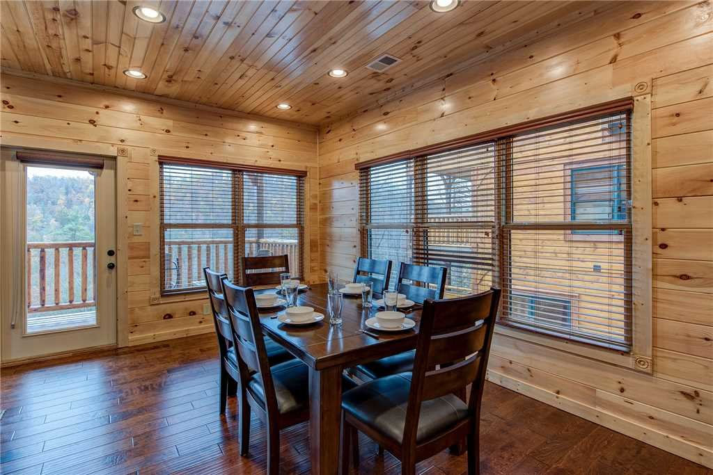 Photo of a Gatlinburg Cabin named Majestic Manor - This is the seventh photo in the set.
