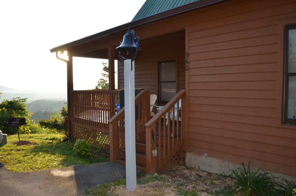 Photo of a Pigeon Forge Cabin named A Grand View From Above #225 - This is the nineteenth photo in the set.