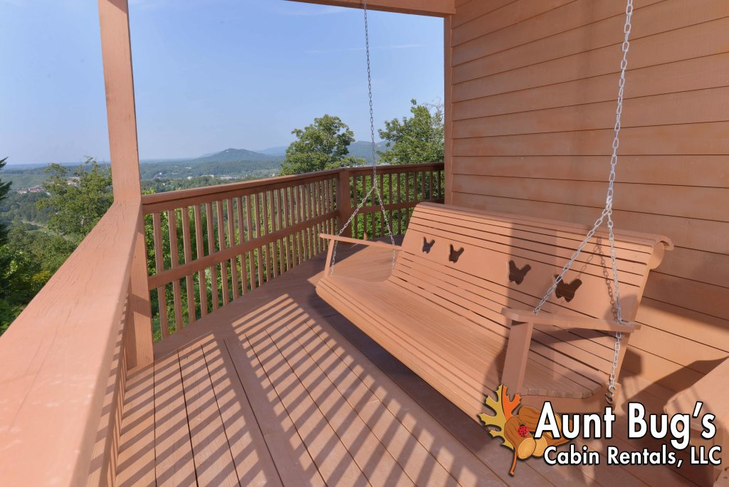 Photo of a Pigeon Forge Cabin named A Grand View From Above #225 - This is the fifty-third photo in the set.