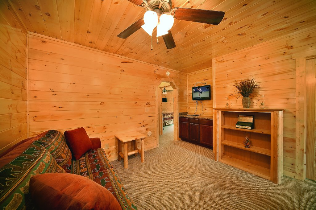 Photo of a Gatlinburg Cabin named Lumberjack Lodge - This is the tenth photo in the set.