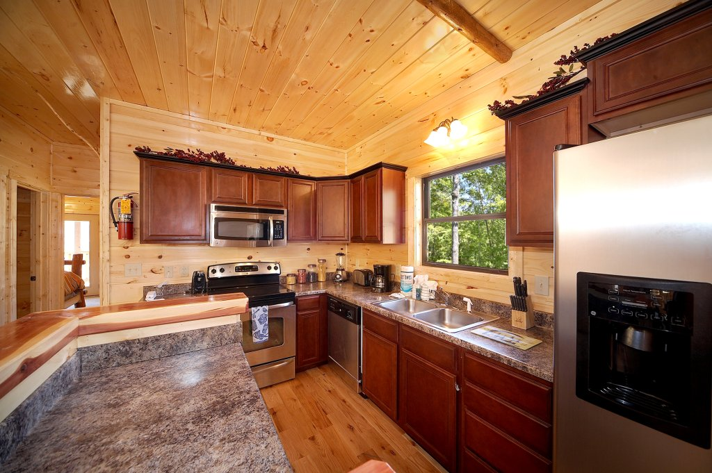 Photo of a Gatlinburg Cabin named Lumberjack Lodge - This is the thirteenth photo in the set.
