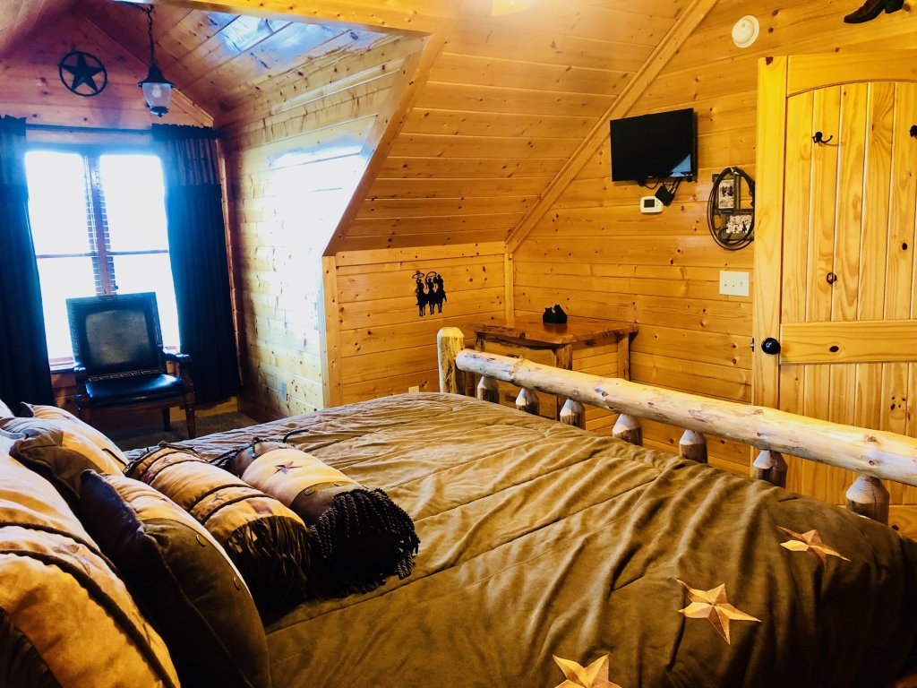 Photo of a Pigeon Forge Cabin named Award Winning Views - This is the twenty-first photo in the set.