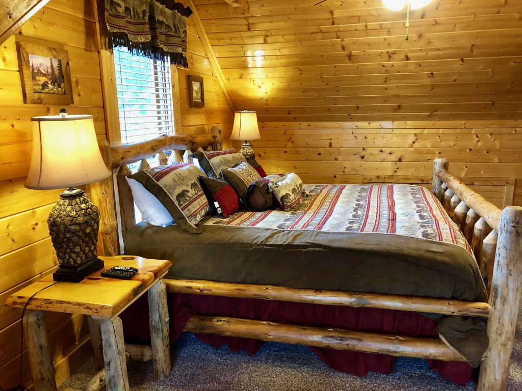 Photo of a Pigeon Forge Cabin named Award Winning Views - This is the twenty-eighth photo in the set.
