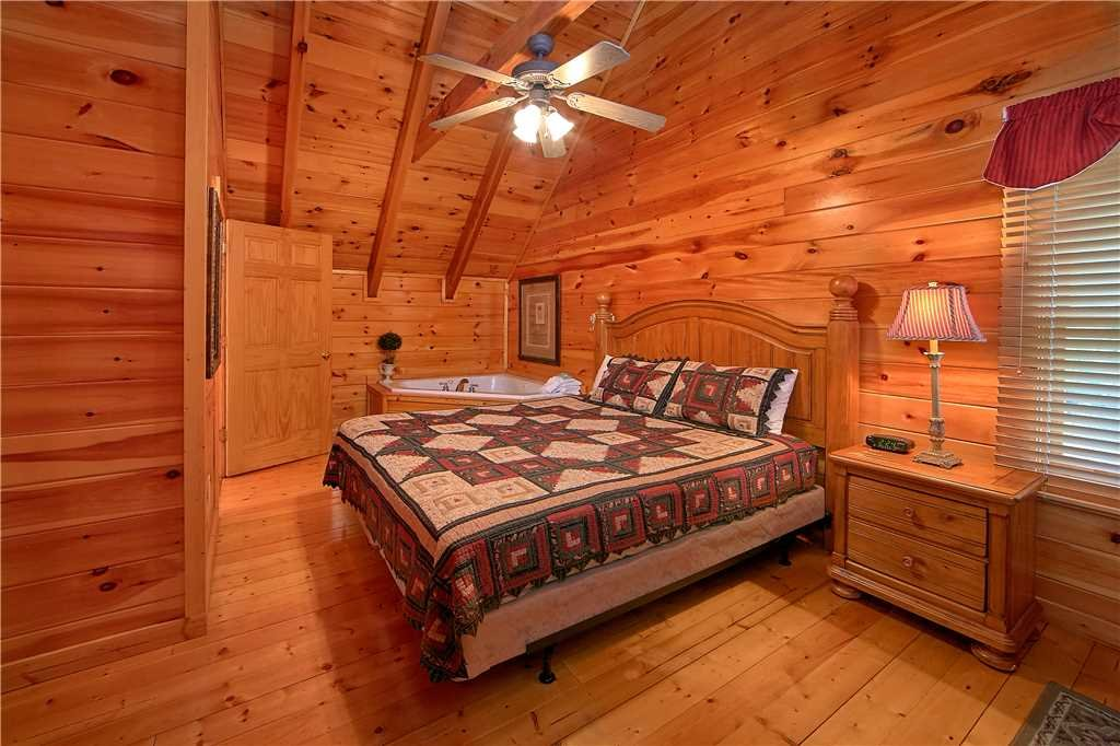 Photo of a Pigeon Forge Cabin named Almost Heaven - This is the tenth photo in the set.