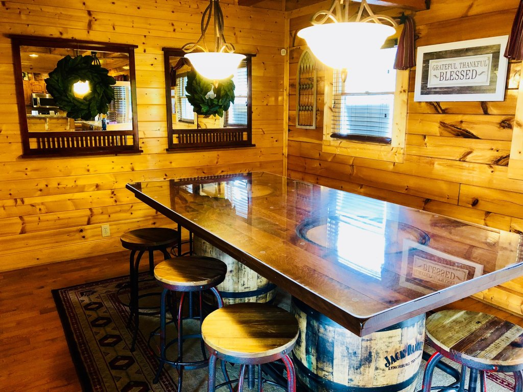 Photo of a Pigeon Forge Cabin named Award Winning Views - This is the thirty-eighth photo in the set.