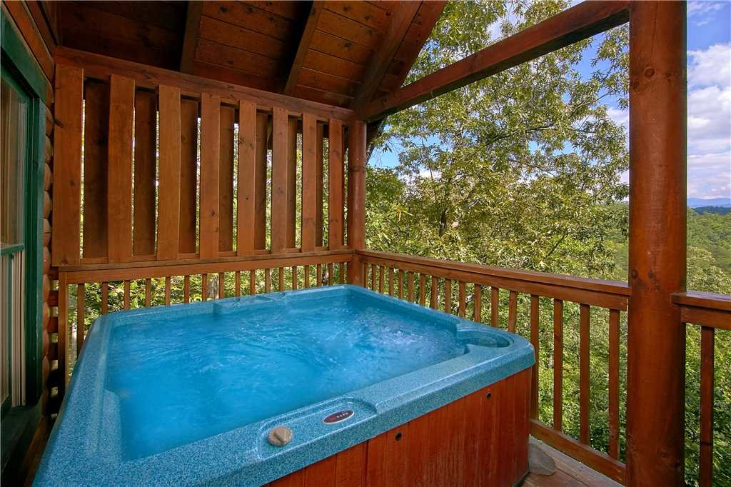 Photo of a Pigeon Forge Cabin named Almost Heaven - This is the fifteenth photo in the set.