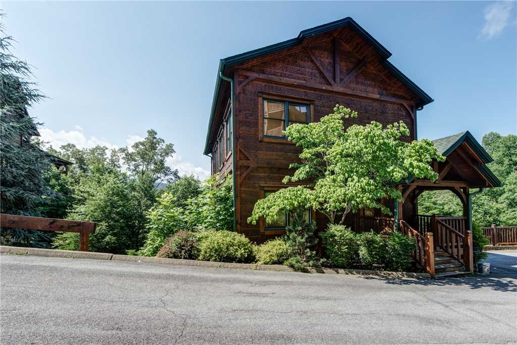 Photo of a Gatlinburg Cabin named Gatlinburg Majesty - This is the twenty-sixth photo in the set.