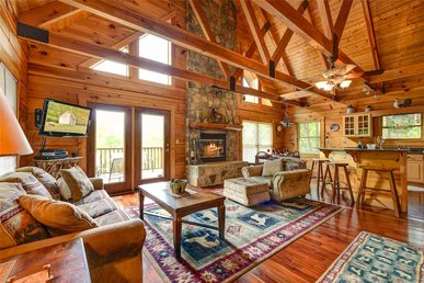 Elkhorn Lodge, 3 Bedrooms, Wood Fireplace, Pool Table, Hot Tub, Sleeps 10