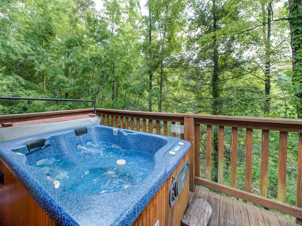 Photo of a Gatlinburg Cabin named Peace Of Mind - This is the third photo in the set.