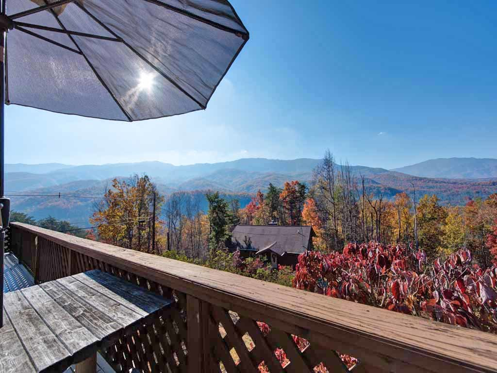 Photo of a Gatlinburg Cabin named Alpine Windsong - This is the first photo in the set.
