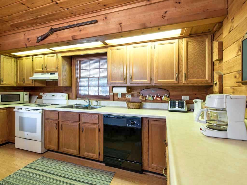 Photo of a Gatlinburg Cabin named Alpine Windsong - This is the eighth photo in the set.