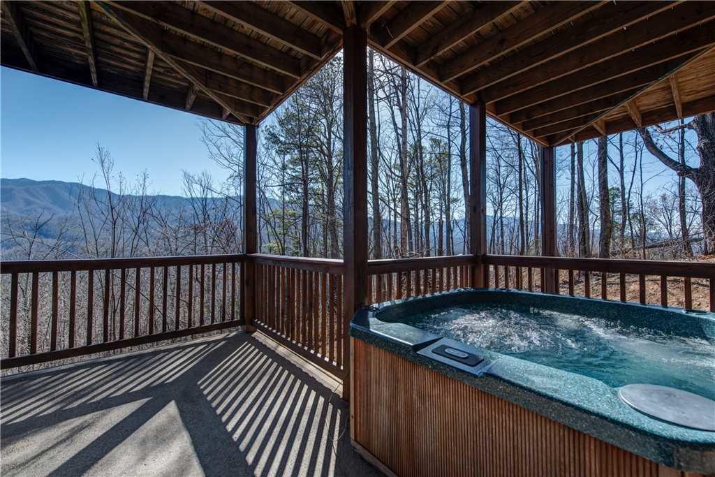 Photo of a Gatlinburg Cabin named Dancing Bear Lodge - This is the fourth photo in the set.