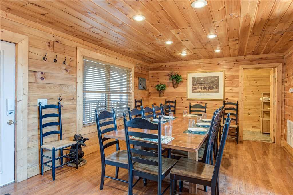 Photo of a Gatlinburg Cabin named Dancing Bear Lodge - This is the eighth photo in the set.