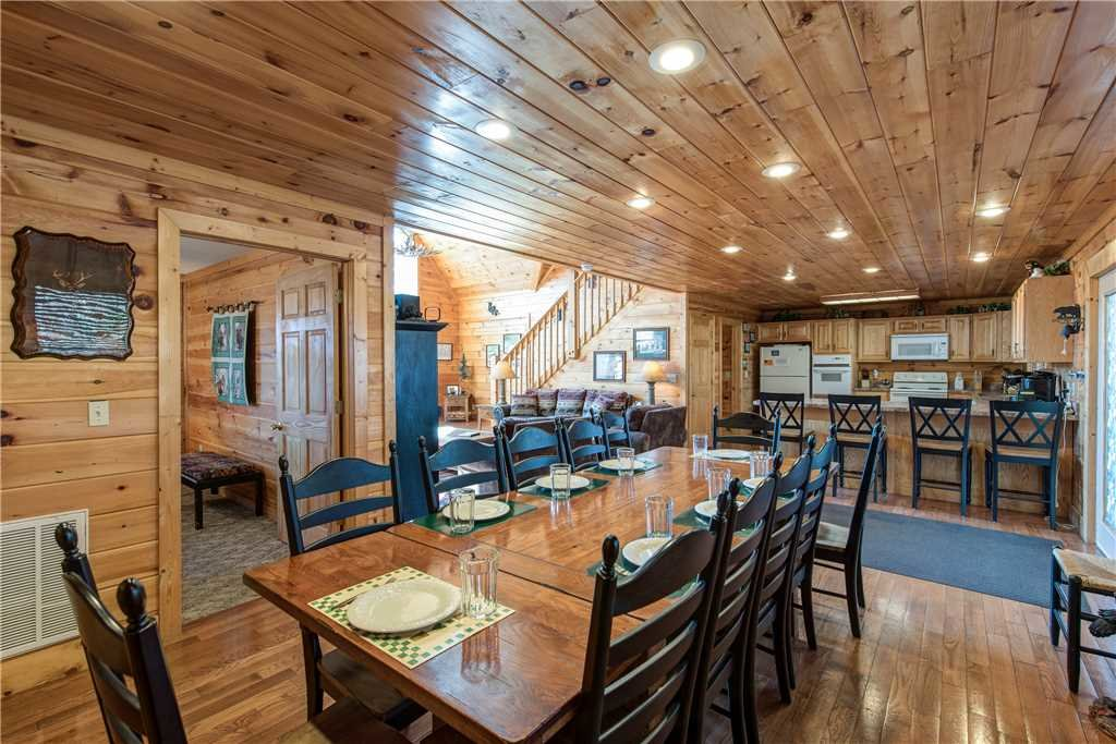 Photo of a Gatlinburg Cabin named Dancing Bear Lodge - This is the ninth photo in the set.