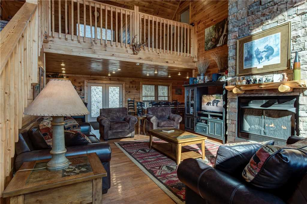 Photo of a Gatlinburg Cabin named Dancing Bear Lodge - This is the sixth photo in the set.