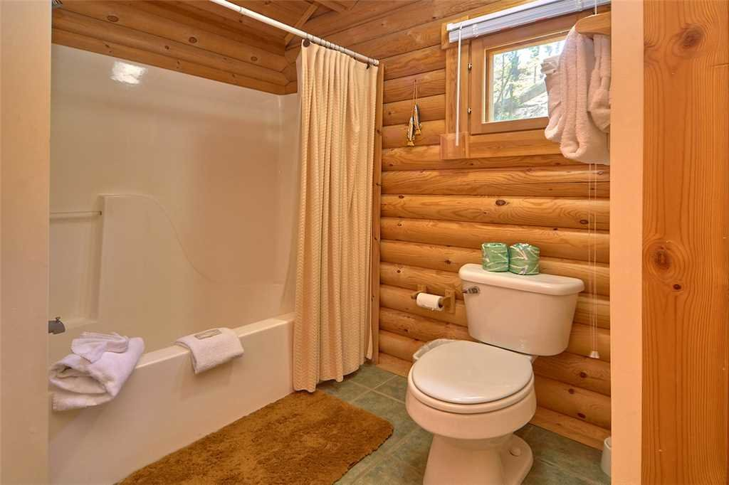 Photo of a Gatlinburg Cabin named Enchanted Forest - This is the fourteenth photo in the set.