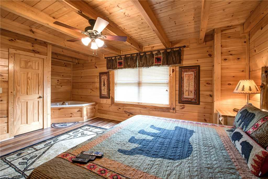 Photo of a Pigeon Forge Cabin named Appalachian Dream - This is the twelfth photo in the set.