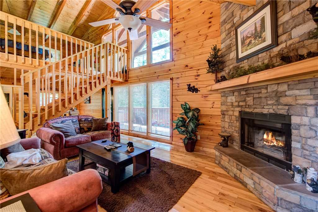 Photo of a Gatlinburg Cabin named Zen Bear Retreat - This is the first photo in the set.
