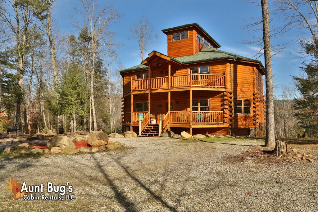 Photo of a Gatlinburg Cabin named Swimmin With Bears #375 - This is the sixteenth photo in the set.