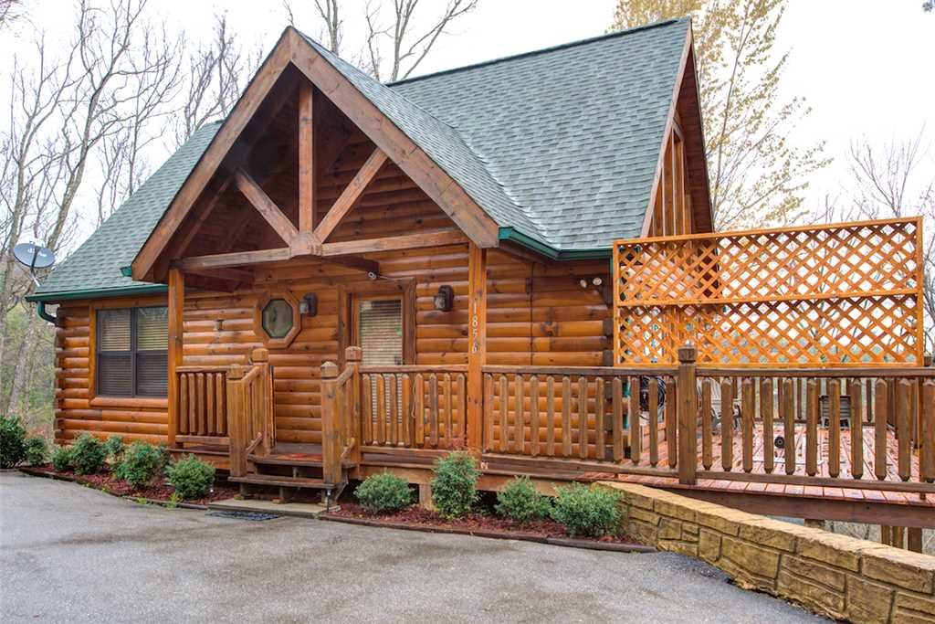 Photo of a Pigeon Forge Cabin named Hatcher Mountain Getaway - This is the second photo in the set.