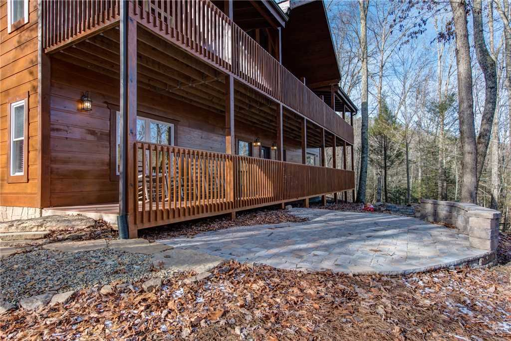 Photo of a Pigeon Forge Cabin named Hickory Hollow Lodge - This is the thirty-seventh photo in the set.