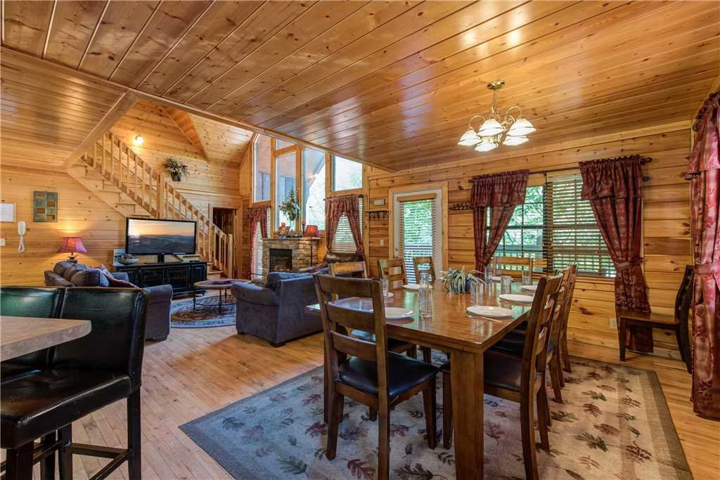 Photo of a Pigeon Forge Cabin named Simple Elegance - This is the tenth photo in the set.