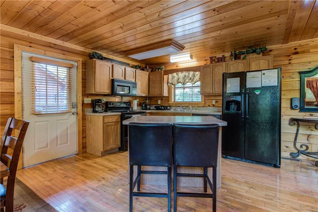 Photo of a Pigeon Forge Cabin named Simple Elegance - This is the ninth photo in the set.