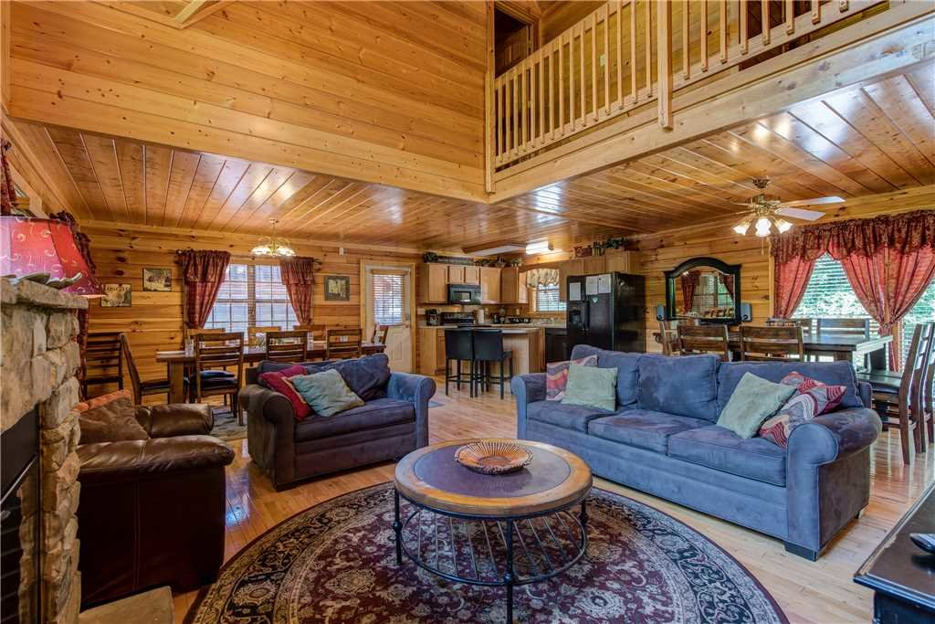 Photo of a Pigeon Forge Cabin named Simple Elegance - This is the fifth photo in the set.